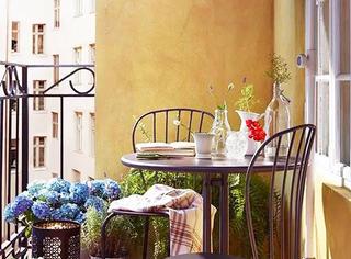 这妈妈太厉害了!把阳台装扮的跟花园一样