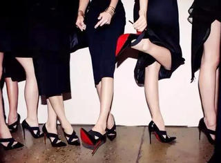 """每个女人都有一个关于""""红底鞋""""梦"""