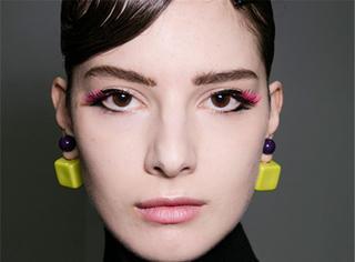 美人制造| 不可抗拒的彩色睫毛秀场麻豆试给你看!