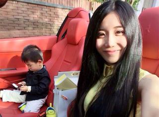 她靠一张毕业照走红,如今与蔡康永吴亦凡同框,成为社交女王…
