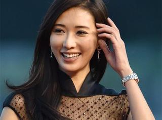 林志玲都42岁了,胸为什么还是这么美