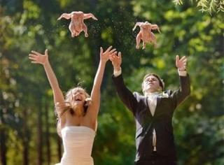 【花式秀恩爱】那些崩坏了的奇怪夫妻照,你们是认真的吗?