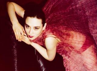 时装档案 | 她是全世界公认的最美混血,颜值直逼当年的林青霞!