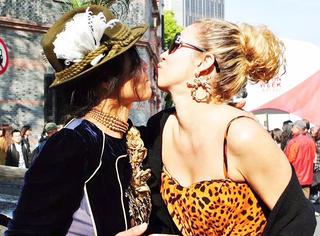 她的街拍抵得上整个上海时装周,但时尚圈却说是垃圾