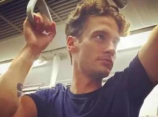 是不是全天下最有范的男人都去巴黎挤地铁了?