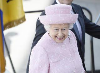"""90岁英女王的衣橱没人""""高攀""""的起!"""