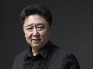 他是相声界第一玩主,京城占地60亩,娶小10岁娇妻…于谦不但爱上一匹野马,关键是家里有草原啊