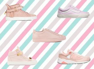 除了小白鞋和小黑鞋,这里还有一双小粉鞋!