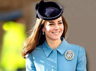 她贵比英女王,却穿几百块的衣服美翻东南亚!