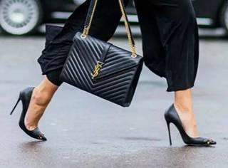 一双黑色尖头鞋可以搭配你大半个夏日衣柜