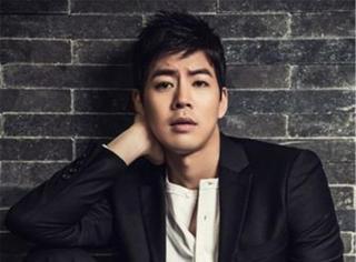 """他是韩国Gay圈人气男,被称为""""男版金泰熙"""",却花13年大学毕业"""