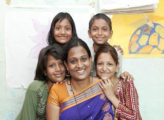 废除童婚第一人:每个女孩都该有自己选择幸福的权利