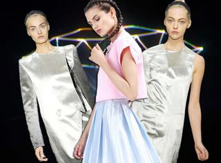 回到未来 | 镭射金属感半裙 把夏天的烈日反弹回去!