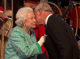 英国女王庆祝90岁生日,听说大半个娱乐圈都去祝贺了