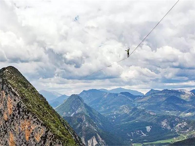 在阿尔卑斯山上走钢绳的你,是不是也在等一道彩虹?