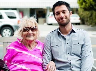 55岁丈夫出轨,离婚35年无家可归,90岁的她却成了好莱坞女王!