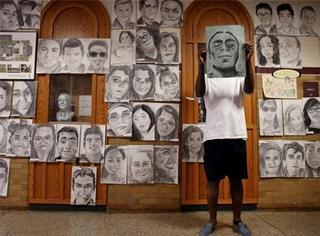 411张肖像画送同学,美国高中生有才又暖心