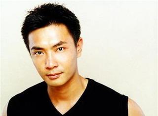 他是邪魅狷狂演技派始祖,曾夺5次新加坡视帝,却终遁空门