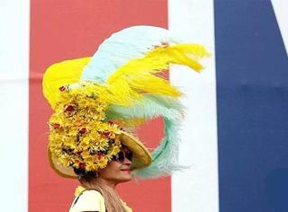 """英国赛马会上演""""帽子戏法"""",还能不能好好看比赛了!"""