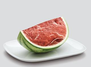 西瓜盖上保鲜膜细菌增10倍,这是真的吗?