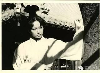 吉星高照 | 她是第一代银幕侠女,也是林青霞张曼玉张国荣的伯乐。