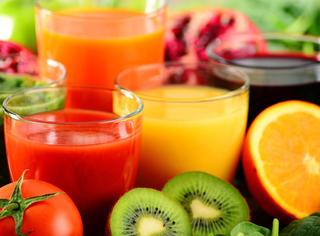 碳酸饮料out!在家自己榨瘦身果汁可好?