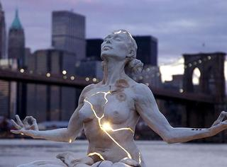 长相清奇的11座世界雕塑,感觉在讲听不懂的故事