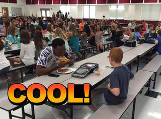 球员和小男孩吃了一顿饭,从此改变了他的生活!