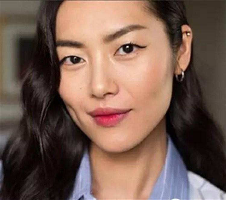 她是亚洲最值钱的女人,屡创中国超模NO1,年收4700万却至今未真正恋爱…刘雯,真实版丑小鸭变天鹅!
