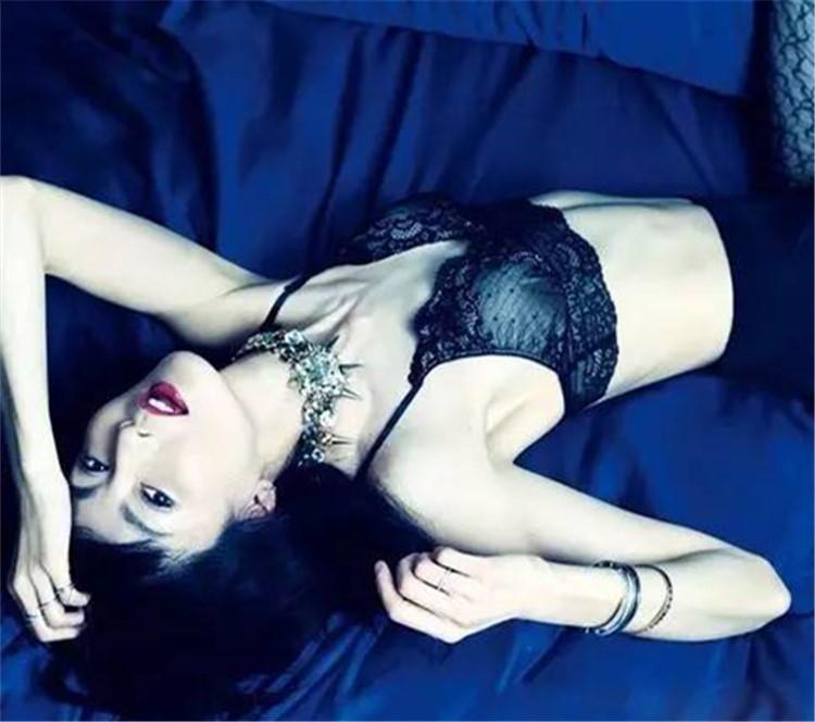色赏 | 睡遍国际大导、影帝、鲜肉,你以为她只是花瓶?!