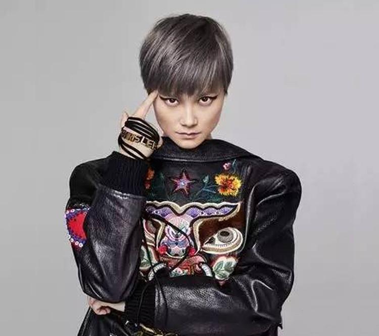 李宇春|出道十年,她是如何从歌手变成时尚界的it girl?