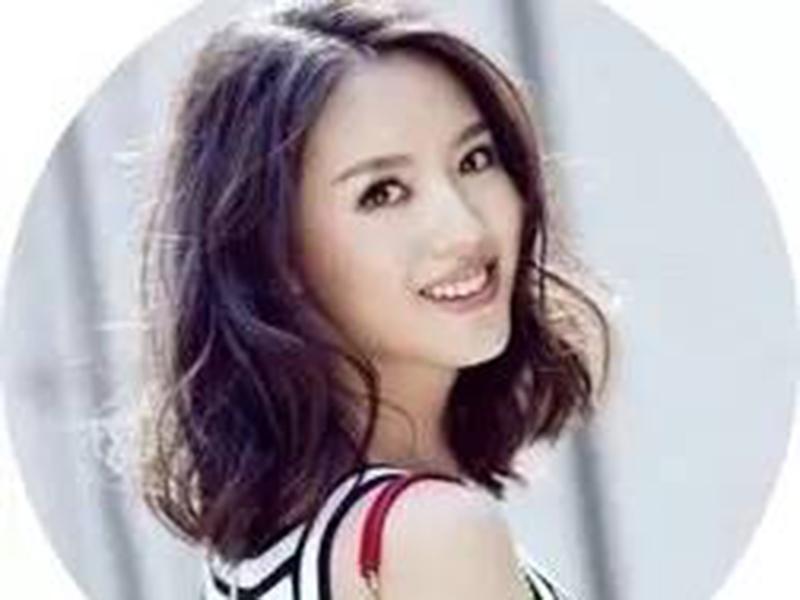 """""""合照杀""""张梓琳终于找到对手,升级做妈依旧美成元气少女!"""
