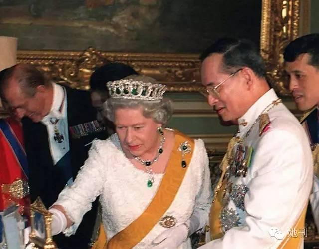 这位国王貌比张国荣,超长待机70年,却独爱一个女人66年