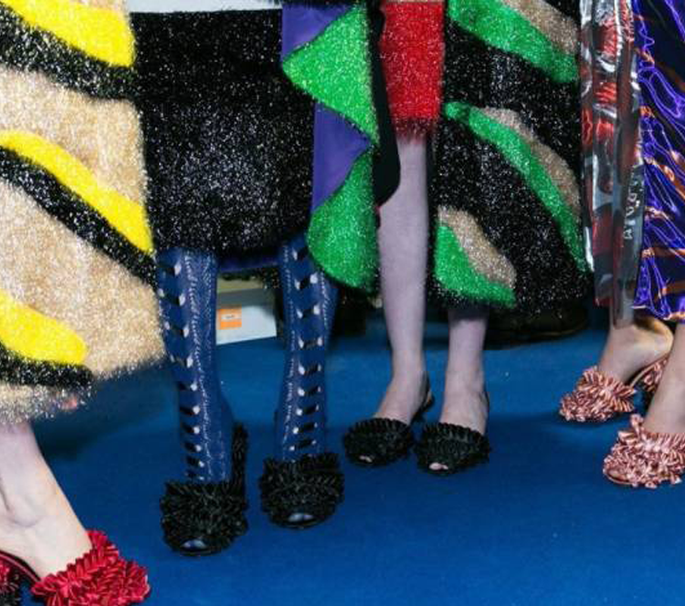 这12双达人街拍出镜率最高的鞋履,剁手也要买了!