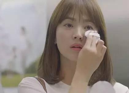 教你妆|乔妹俘获宋仲基欧巴的秘籍,真的要得益于她的水润底妆!