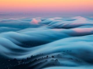 只见过雾霾没见过雾波,它应该是世界最美景色之一
