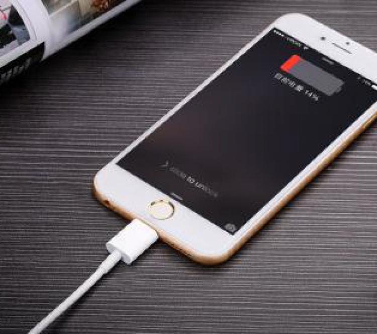 """iphone6s意外""""冻""""关机,苹果官方给出说法了"""