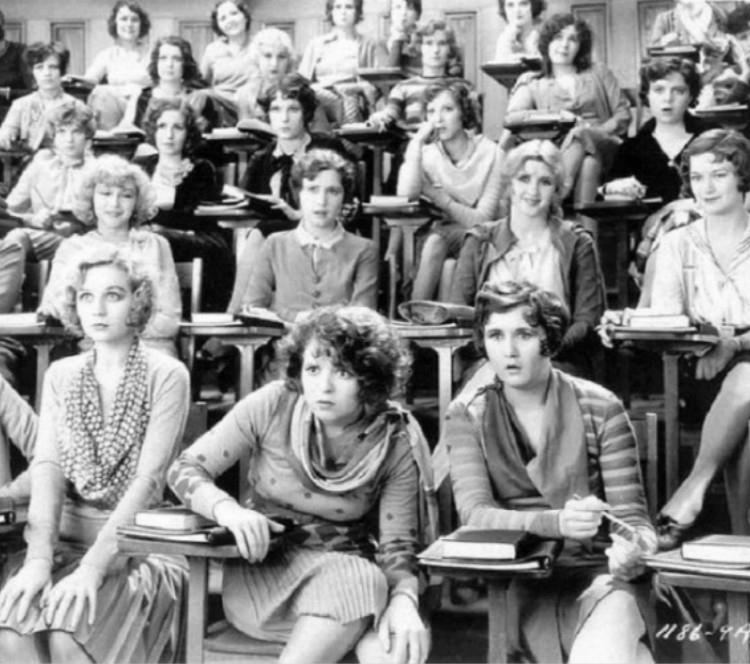 第一次上性教育课的姑娘...找到一些绝版老照片