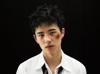 刘昊然ELLE全新大片,流泪、伤痛、委屈...不一样的他!