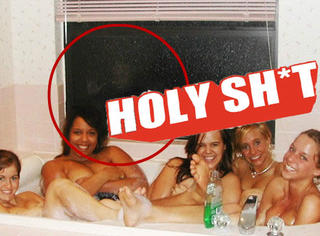 【Holy Shit】五女赤裸泡澡,惊现比灵异现象还要惊悚的画面!