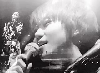 感动!王菲窦靖童合唱《你快乐所以我快乐》,当年歌里的小女孩长大了!