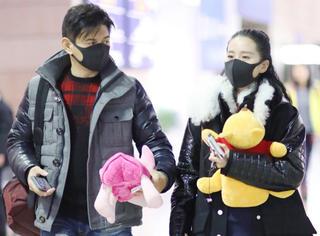 刘诗诗吴奇隆新年第一天就虐狗!幸福出街太甜蜜!