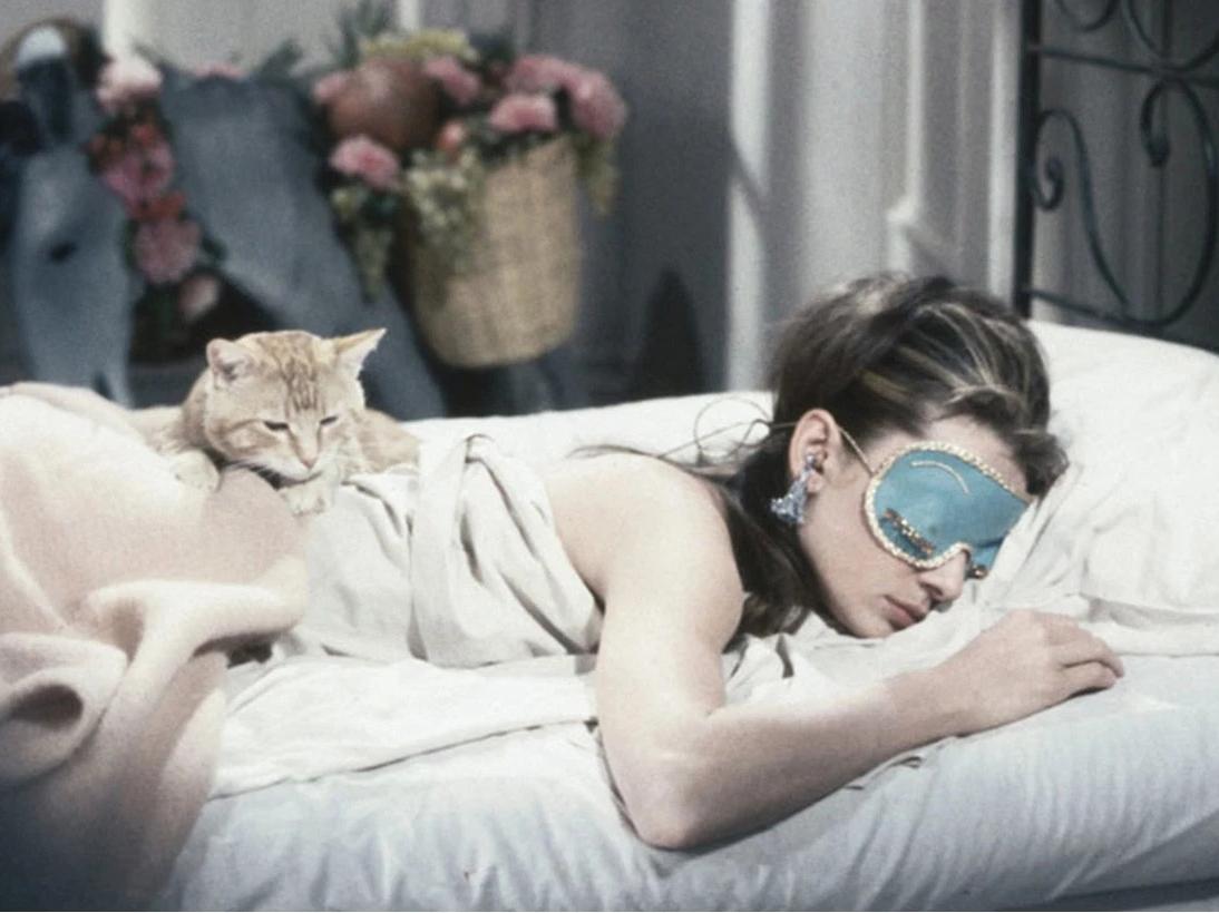 又有借口赖床了!研究发现越爱延迟闹钟的人越聪明?