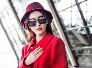"""唐嫣陷入""""红色陷阱"""",这个2017爱上红色无法自拔的女子!"""