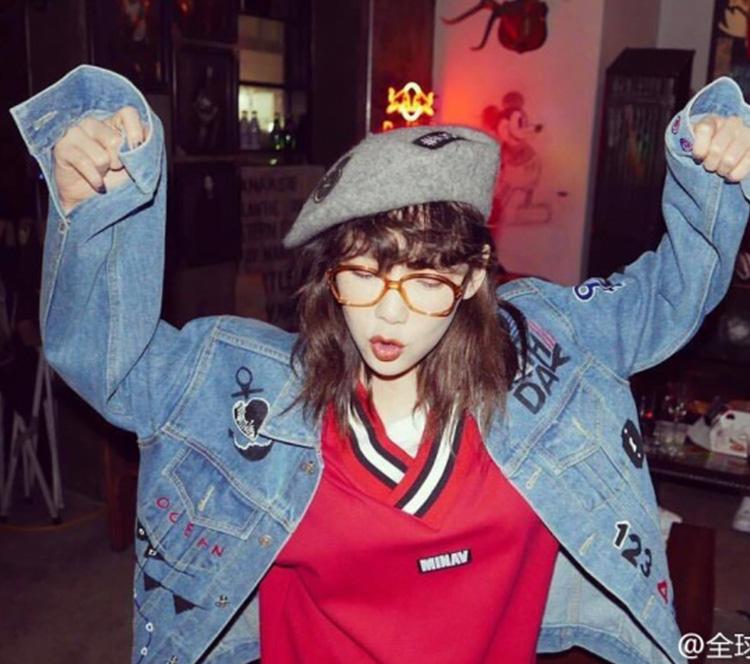 """少女时代开复古Party,泰妍这""""小哥哥""""却出来疯狂撩妹!"""