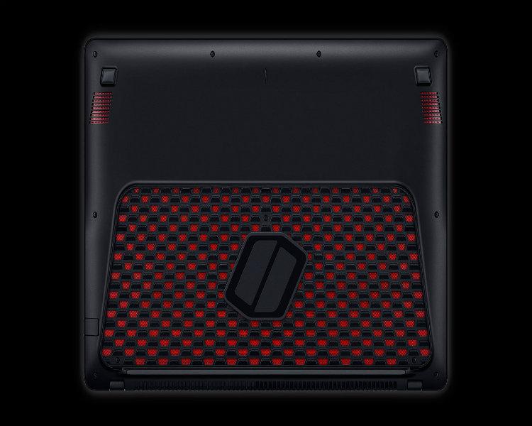 这种一眼看不出什么牌子的超级电脑,真是低调奢华有内涵