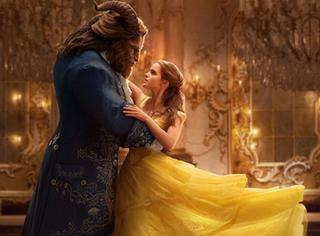 《美女与野兽》黄裙子花12000小时 用2160颗施华洛世奇水晶