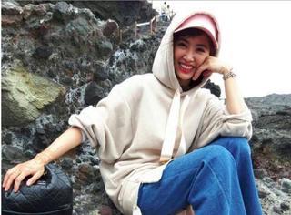 蔡依林海边度假化身渔家姑娘,粉色网纱棒球帽超可爱!