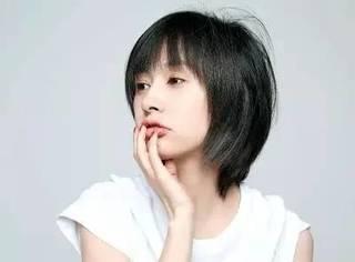她14岁出道,跟过贾乃亮,签过卖身契,如今30岁竟成为当红小花