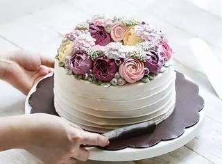 FOODIE | 在这只蛋糕里住着春天